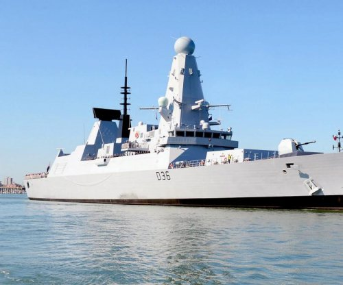 Britain's HMS Defender to support French carrier against Islamic State