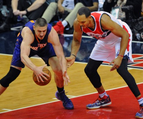Wizards go small, come up with big win