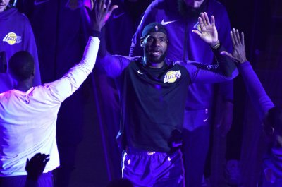 Lakers' LeBron James makes highly-anticipated return to Cleveland