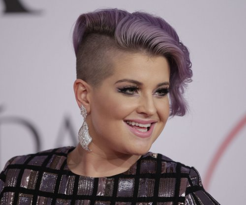 Kelly Osbourne says Latinos remark was poorly worded