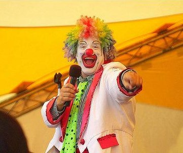 'Doo Doo the Clown' saves women from violent attacker