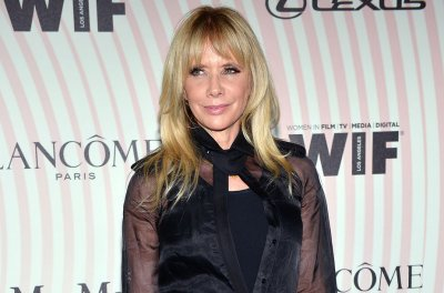 Rosanna Arquette honors late sister Alexis: 'We love you'