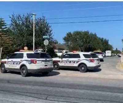 Two Texas police officers killed responding to domestic disturbance
