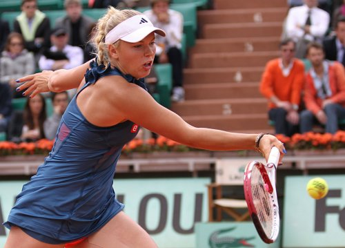 Wozniacki picks up first-round win in Doha