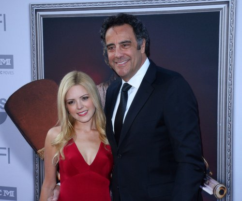 'Everybody Loves Raymond' alum Brad Garrett engaged