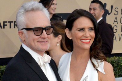'Transparent' stars Bradley Whitford, Amy Landecker are engaged