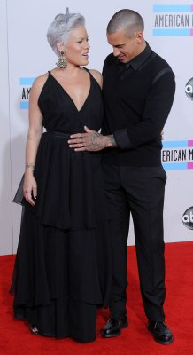 P!nk gives birth to a daughter