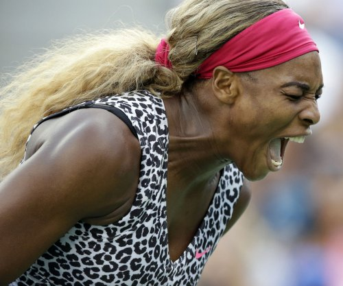 Serena struggles early, then cruises at Aussie Open
