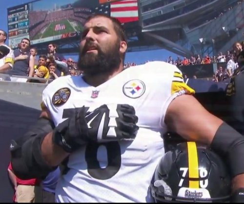 Steelers' Alejandro Villanueva has top-selling jersey after standing for anthem