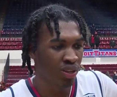 Detroit Mercy's Antoine Davis breaks Steph Curry's college trey record