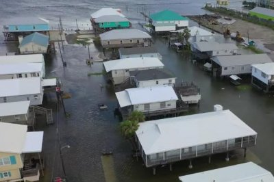 Barry weakens as Louisiana, Mississippi, Arkansas face flood danger