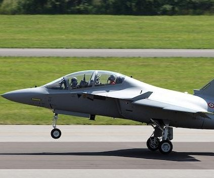 Italy orders additional trainer aircraft