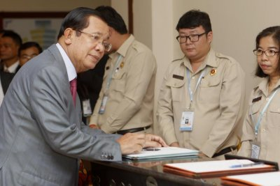 E.U. Parliament to freeze Cambodian officials' assets for human rights abuses