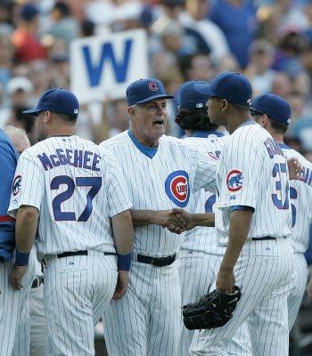 Cubs' Guzman out with shoulder surgery