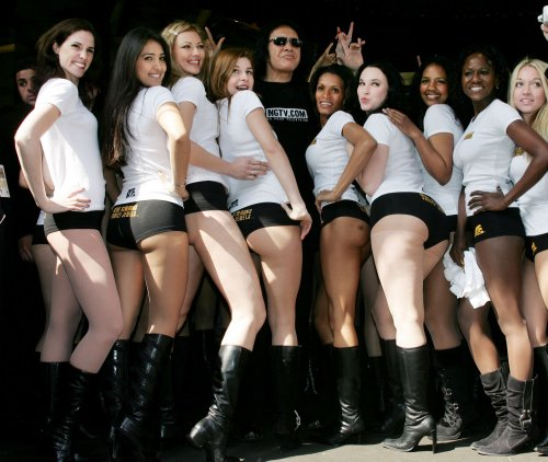 Gene Simmons to fellow immigrants: 'Learn to speak goddamn English'