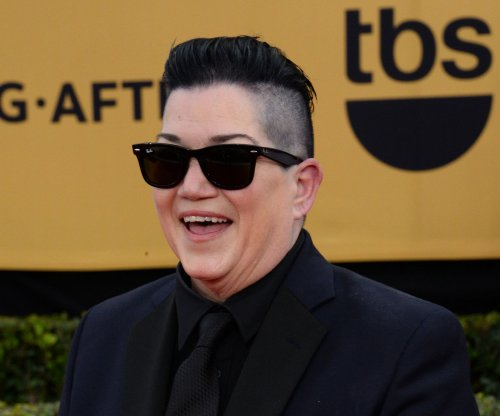 Lea DeLaria taps Sandra Bernhard to officiate her wedding