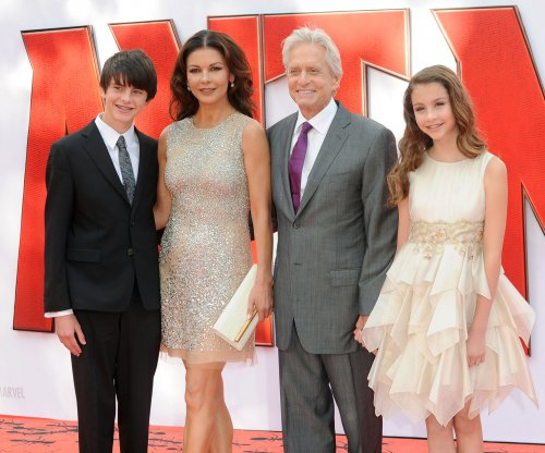 Michael Douglas, Catherine Zeta-Jones celebrate 15th anniversary