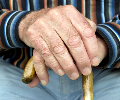 Study: Older adults taking more than 5 drugs walk slower