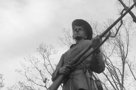Protesters at UNC-Chapel Hill campus take down Confederate statue