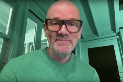 Michael Stipe performs Aaron Dessner collaboration on 'Late Show'