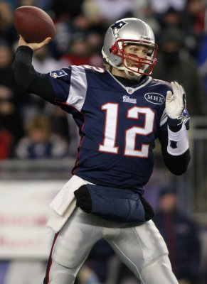 Brady sits with sore shoulder