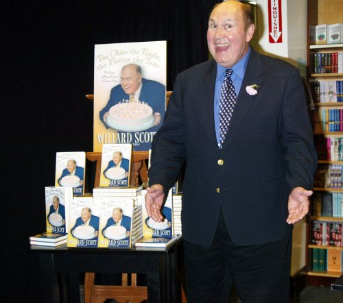 Willard Scott marries longtime girlfriend at 80
