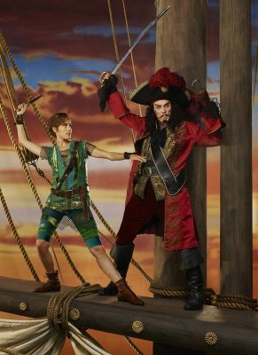 Christopher Walken channels Captain Hook in new 'Peter Pan' photo