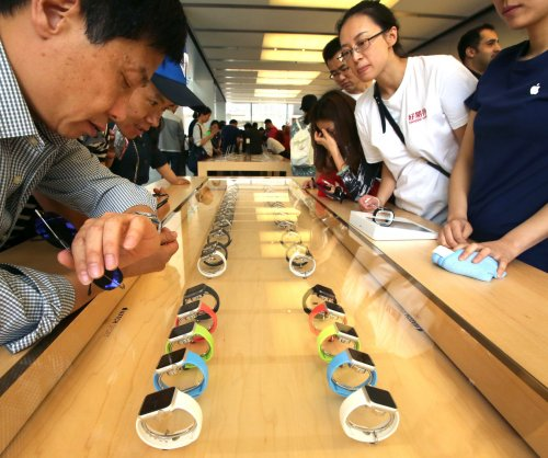 Apple Watch release underwhelms critics, shows early signs of trouble