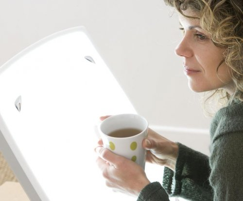 Bright light therapy helps adults with major depressive disorder