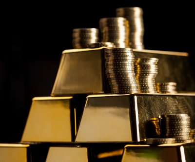 Gold prices plummet to 6-year low
