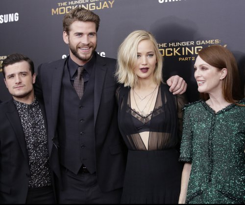 'Hunger Games: Mockingjay -- Part 2' tops the North American box office for a second weekend