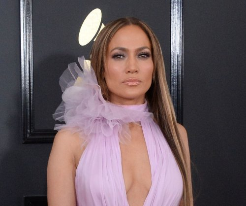 Jennifer Lopez says Alex Rodriguez romance started at lunch