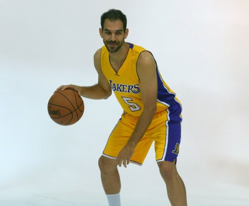 Cleveland Cavaliers sign G Jose Calderon $2.3 million