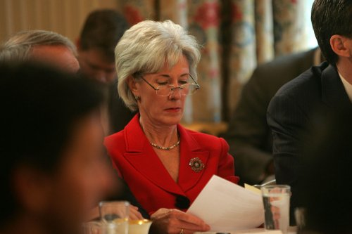Obama taps Sebelius for HHS
