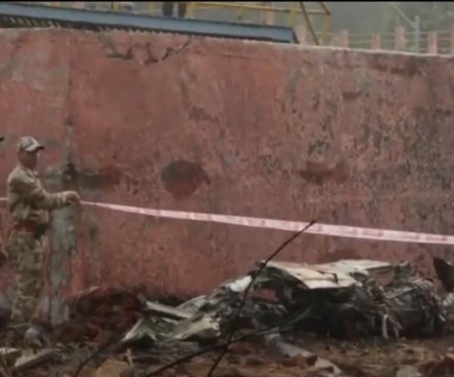 New Delhi plane crash kills 10