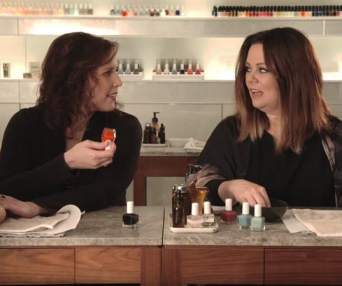 Melissa McCarthy raps fake Kanye West song in new 'SNL' promo