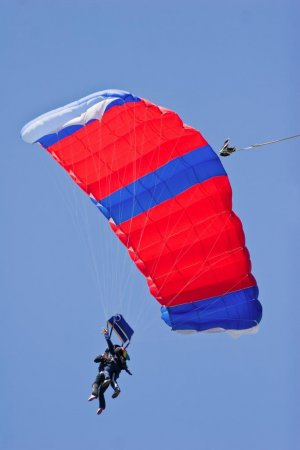 Two skydivers dead after tandem chute fails to open