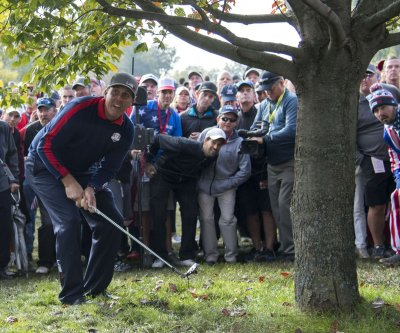 Ryder Cup: U.S. sweeps morning foursomes