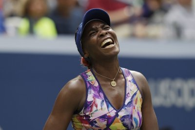 Venus Williams advances to quarterfinals of Australian Open