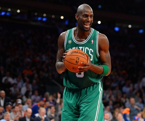 Tyronn Lue: Cleveland Cavaliers' attempt to lure Kevin Garnett out of retirement failed