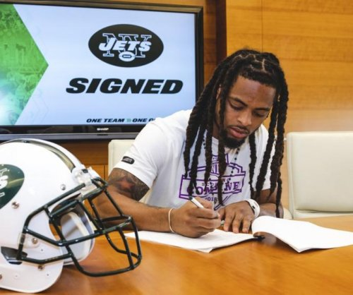 Two sixth-round picks sign with New York Jets