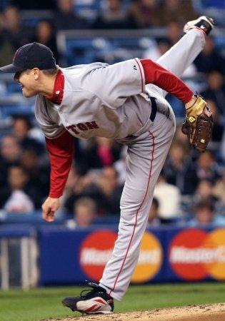 MLB: Boston 7, N.Y. Yankees 5