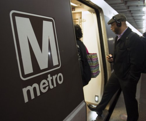 Minor injuries after Metrorail train derails in Washington, D.C.