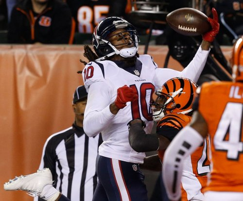 Houston Texans WR DeAndre Hopkins ends brief holdout