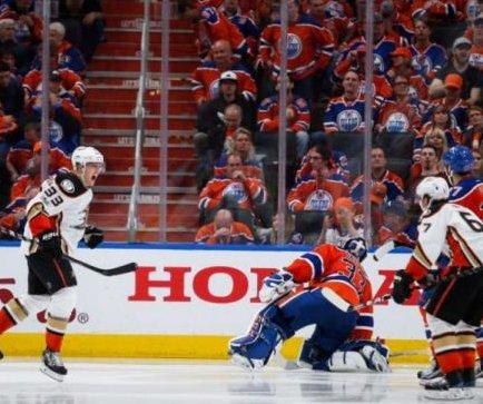 Anaheim Ducks get even with Edmonton Oilers on Jakob Silfverberg's OT goal