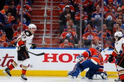 Anaheim Ducks get even with Edmonton Oilers on Jakob Silfverberg's OT goal