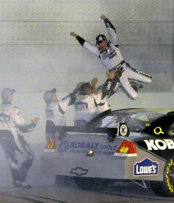 Edwards wins race, Johnson wins title
