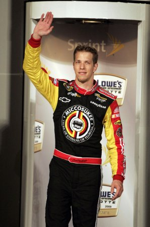 Keselowski wins Nationwide 200 at Dover