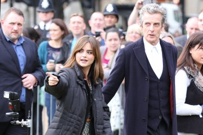 Peter Capaldi asked to stay on 'Doctor Who' following showrunner's departure