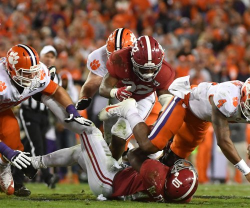 San Francisco 49ers sign Rueben Foster to four-year deal